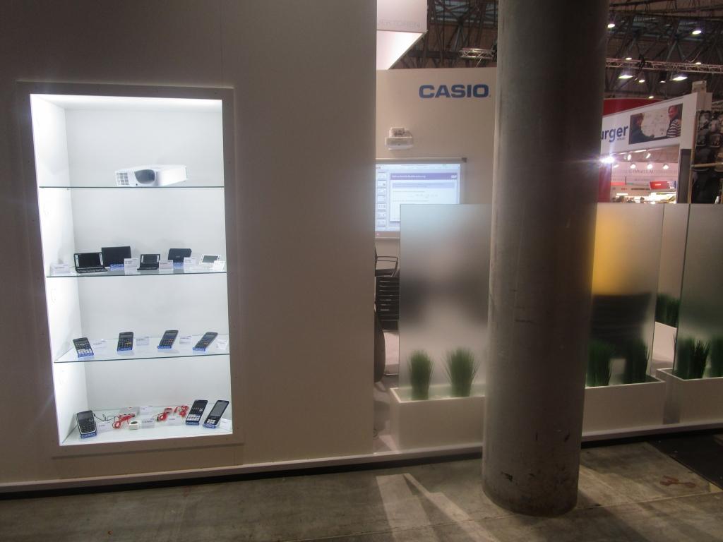 Stand Casio