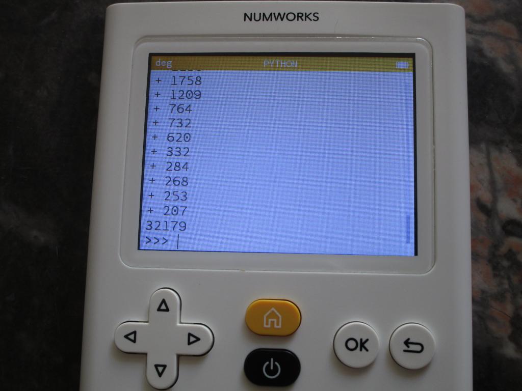 NumWorks N0100 + Python 32K